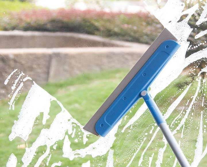 use eva foam squeegee for cleaning window