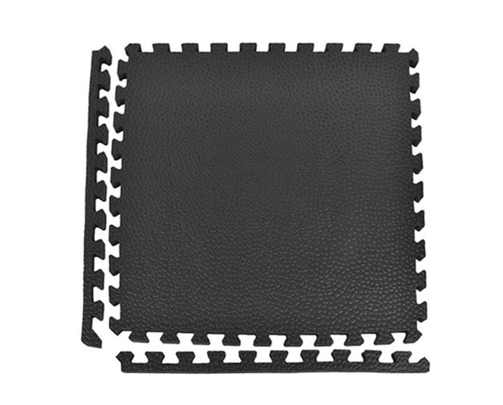 black interlocking horse mat with border strips