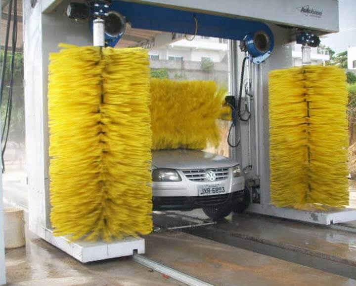 Auto car washing machine using yellow foam car wash brush