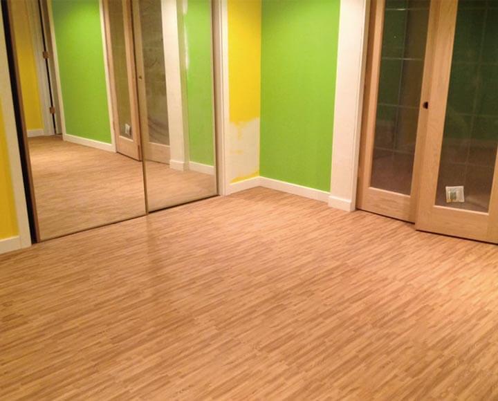 wood grain foam tiles used in room