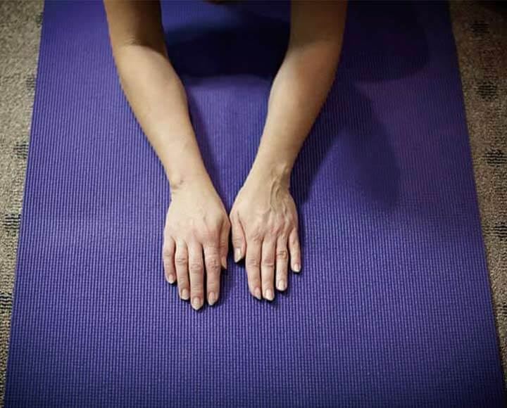 Purple anti slip yoga mat for yoga pilates
